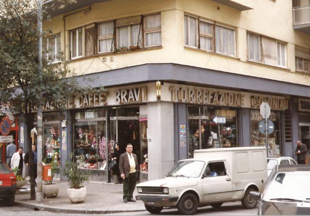 L'histoire de https://cdn.sensaterra.com/artisans/bravi-caffe-49570048-23bf-e6ed-a4d8-08d8ce68d54e.png