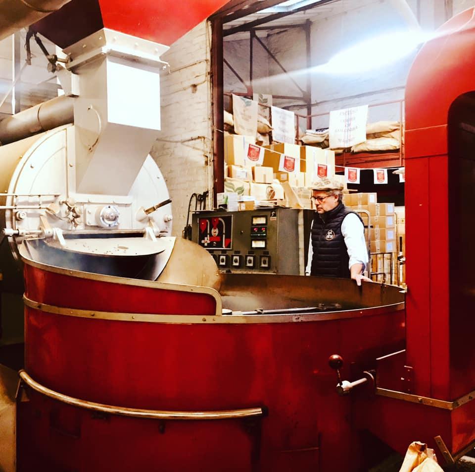 L'histoire de https://cdn.sensaterra.com/artisans/le-comptoir-du-lys-story-picture-046d0278-36bf-e6ed-30d9-08d8d73e4495.jpg